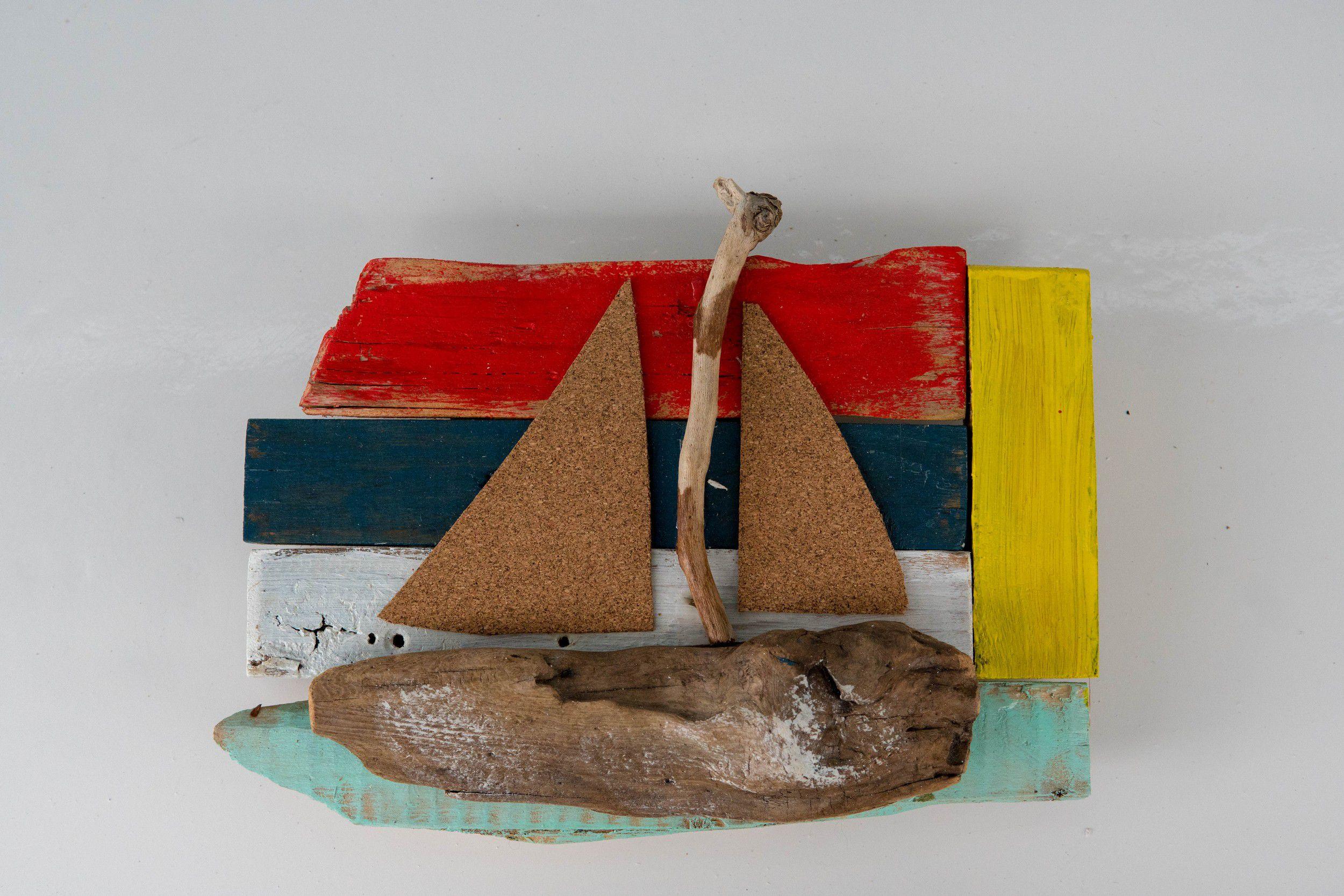 Καράβι με Θαλασσόξυλα πάνω σε Ξύλινο κάδρο.